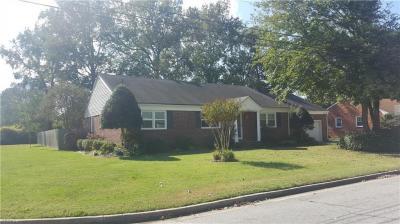 Photo of 624 Hassell Drive, Chesapeake, VA 23322
