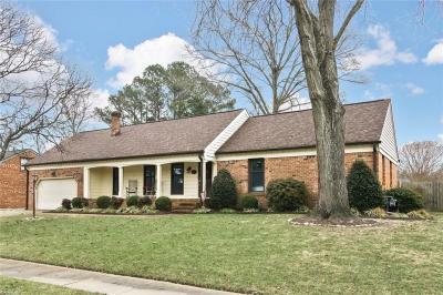 Photo of 1221 Grenadier Drive, Chesapeake, VA 23322