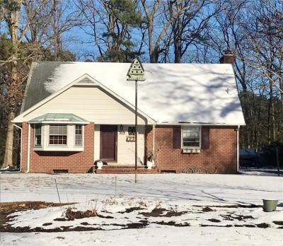 Photo of 319 Riverside Drive, Yorktown, VA 23692