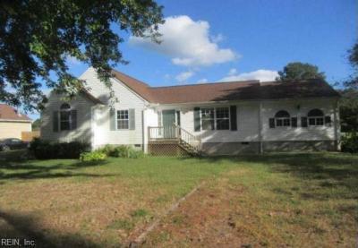 Photo of 9301 Davenport Road, Gloucester, VA 23061