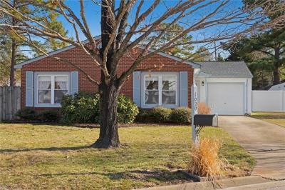 Photo of 1020 White Oak Court S, Chesapeake, VA 23320
