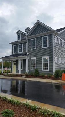 Photo of 1302 Farringdon Way #13-2, Williamsburg, VA 23185