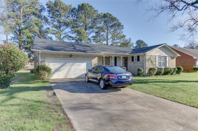 Photo of 305 Redbrick Drive, Chesapeake, VA 23325
