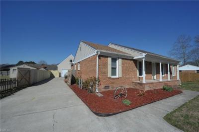 Photo of 814 Bellingham Drive, Chesapeake, VA 23322