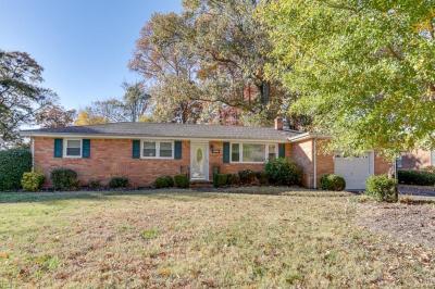 Photo of 620 Lovegrove Avenue, Chesapeake, VA 23323