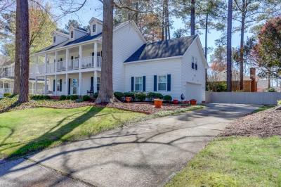 Photo of 519 Country Club Boulevard, Chesapeake, VA 23322
