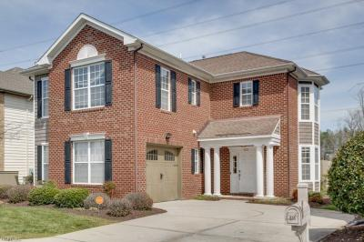 Photo of 633 Sweet Leaf Place, Chesapeake, VA 23320