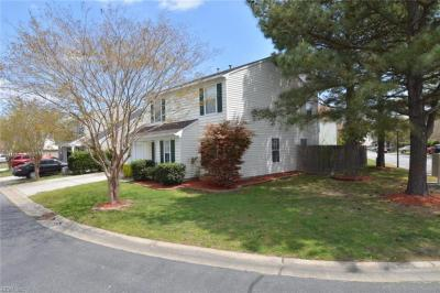 Photo of 215 Rockwood Place, Suffolk, VA 23435