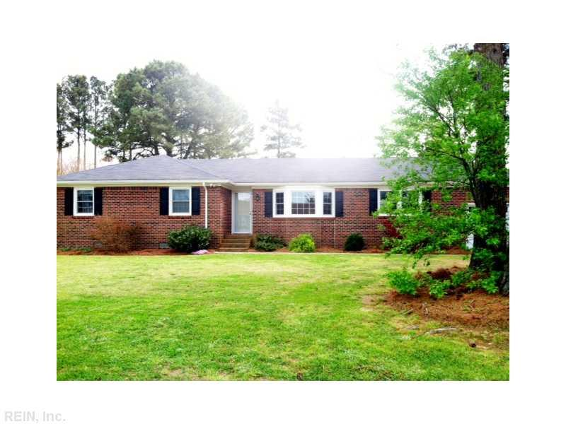 11 Holland Ln Lane, Windsor, VA 23487