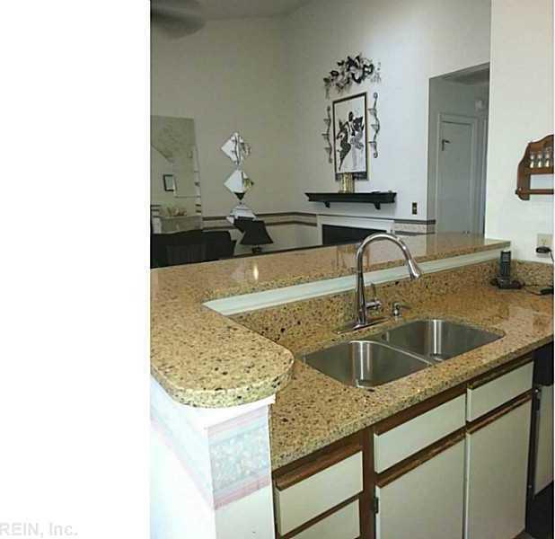 66 Emeraude Place #B, Hampton, VA 23666