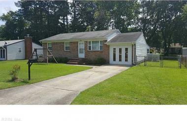 220 Larissa Drive Drive, Newport News, VA 23601