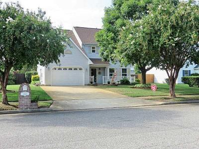 Photo of 2085 Townfield Ln, Virginia Beach, VA 23454