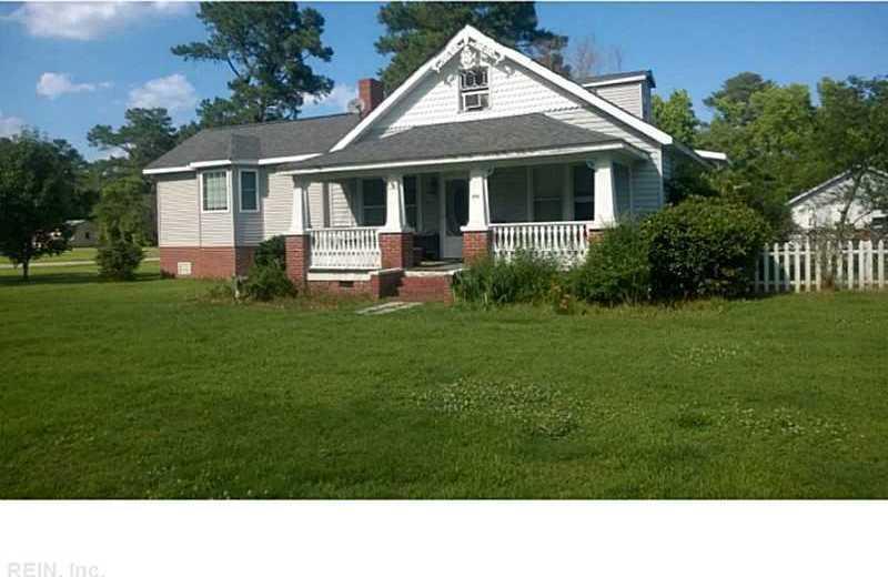 9956 Line Fence Road, Hayes, VA 23072