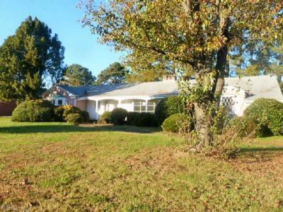 Photo of 1478 Queen Street W, Hampton, VA 23669