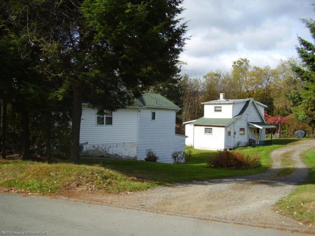 235 Upper Powderly St, Carbondale, PA 18407