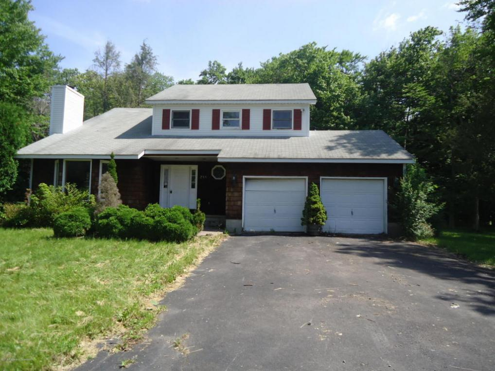 218 Evergreen Circle, Tobyhanna, PA 18466