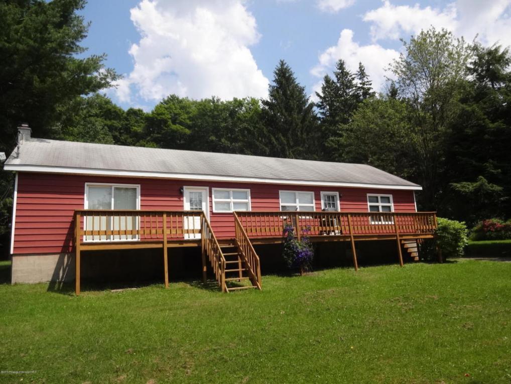 74 Matthews Rd, Spring Brook Twp, PA 18444
