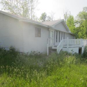 106 James Ln, Falls, PA 18615