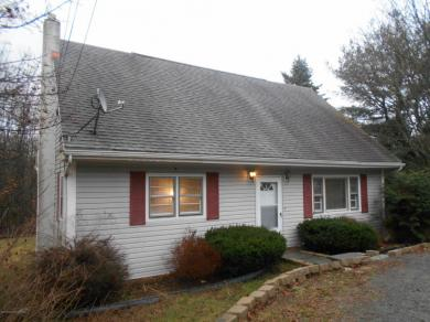 7294 State Route 374, Clifford, PA 18413