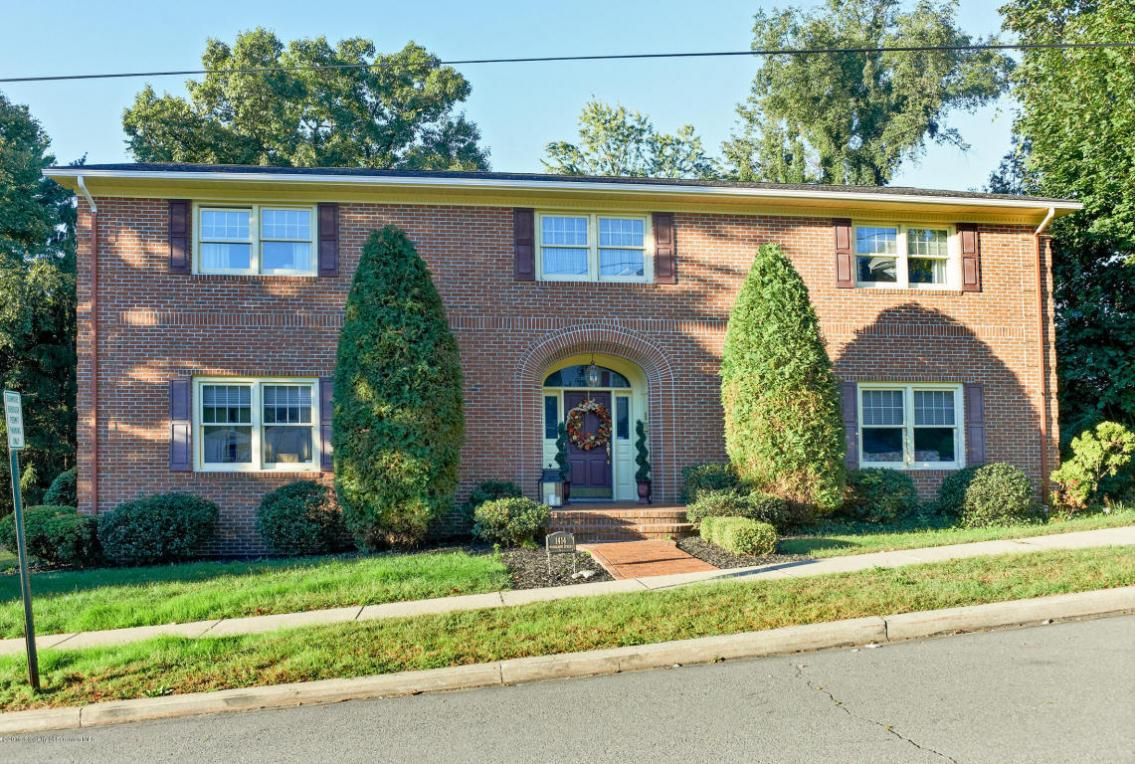 1414 Woodlawn Ave, Dunmore, PA 18509