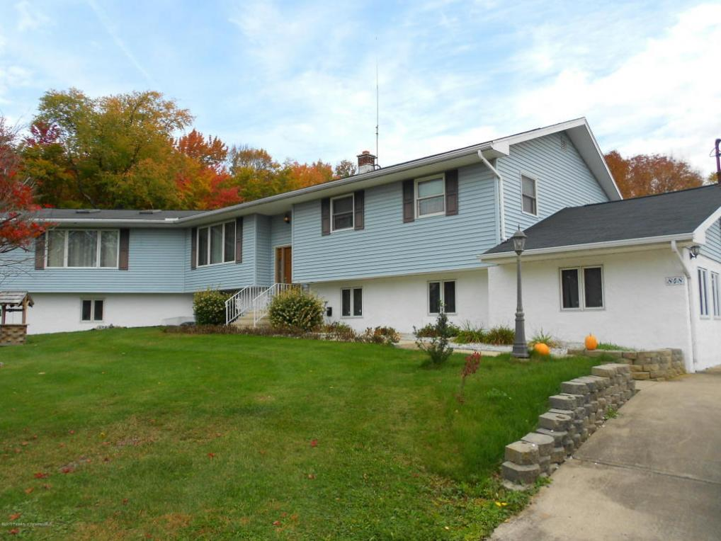 848 Church St, Moscow, PA 18444