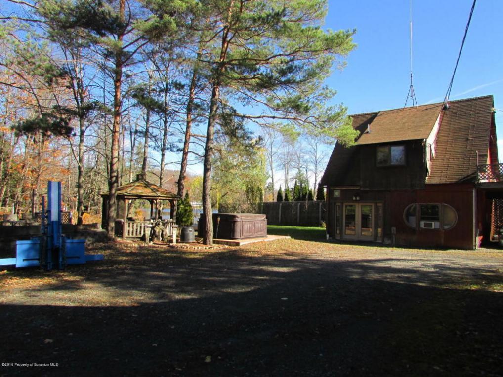 934 Heart Lake Road, Montrose, PA 18801