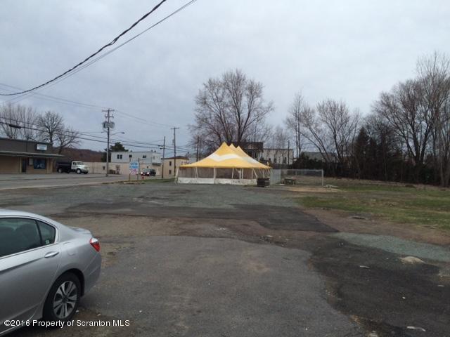 1327 Main St, Dickson City, PA 18519