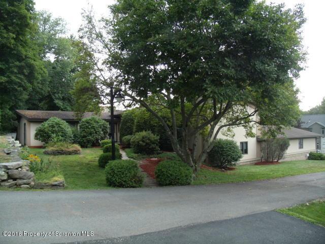 22 Hendrick Lane, Carbondale, PA 18407
