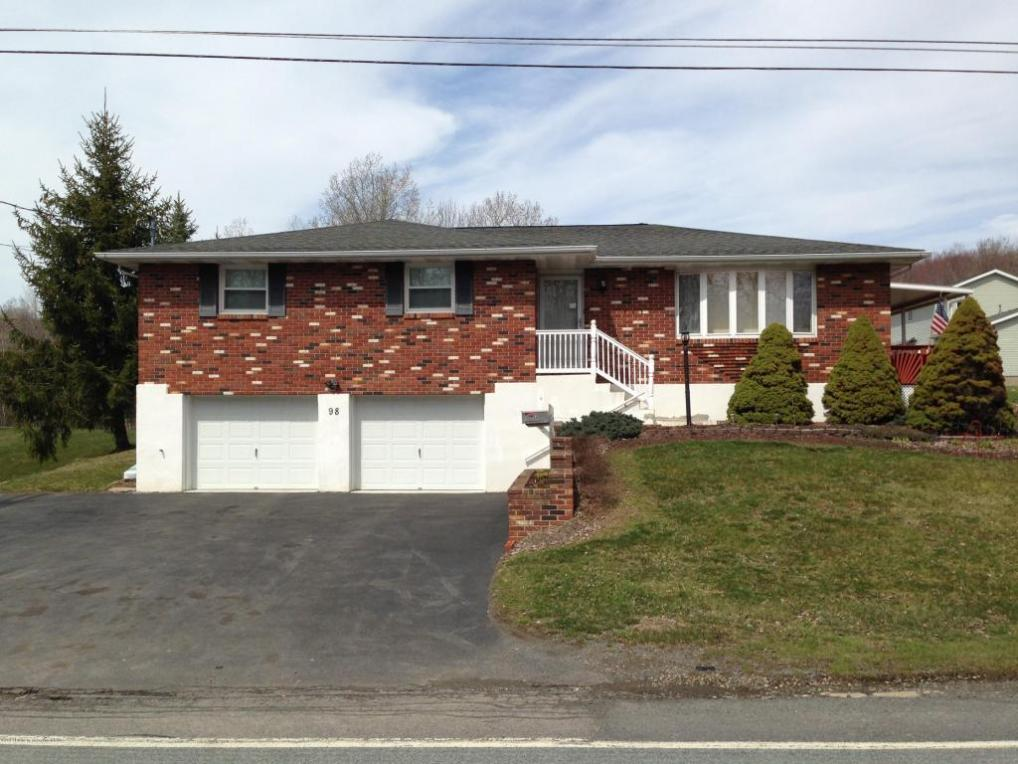 98 Valley View Ter, Forest City, PA 18421
