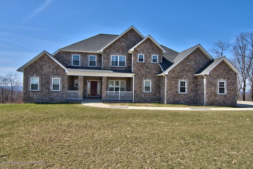 1011 Scenic Dr, Clarks Summit, PA 18411