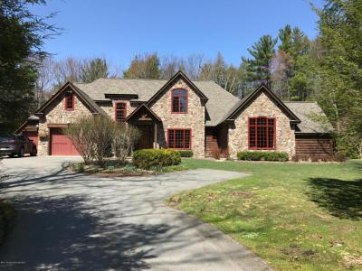 Photo of 27 Spring Brook Cirlce, Lakeville, PA 18438