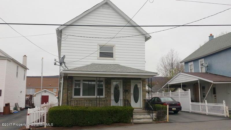 15 Villa St, Carbondale, PA 18407