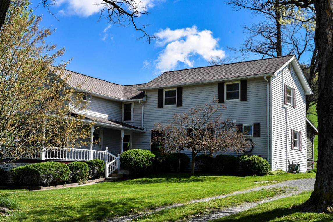 540 Board Rd, Laceyville, PA 18623