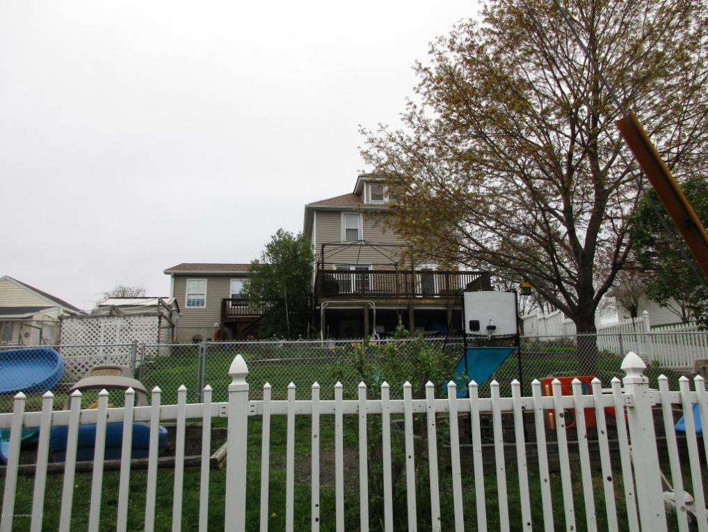 235 Simpson St, Archbald, PA 18403