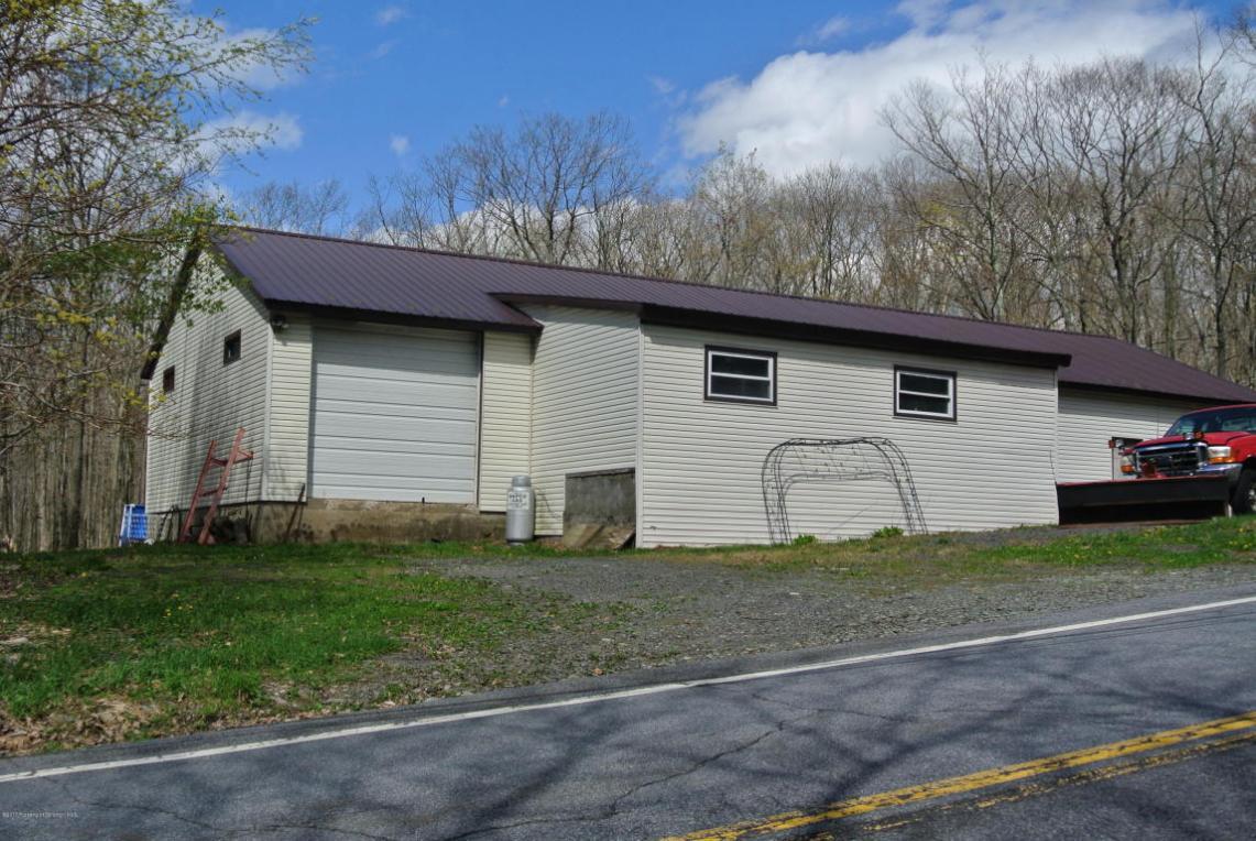 175 Salem Rd, Carbondale Twp, PA 18407