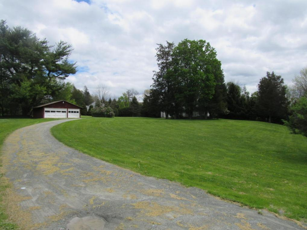 1311 Gravel Pond Rd, South Abington Twp, PA 18411