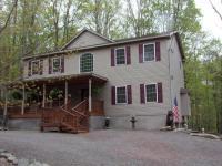 1046 Wildwood Ct, Lake Ariel, PA 18436