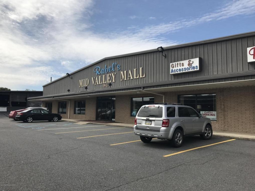 1332 Main St, Dickson City, PA 18519