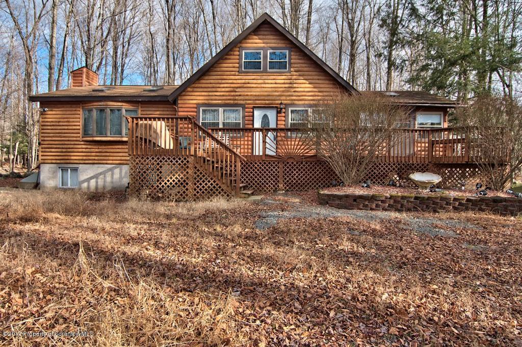 231 Ridgewood Court, Lake Ariel, PA 18436