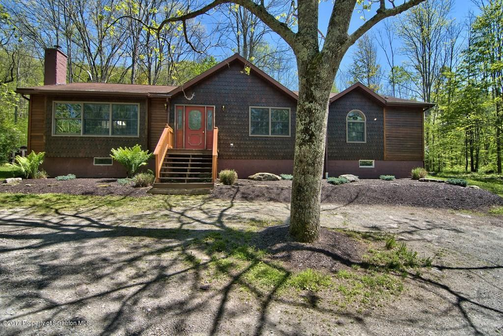 169 Tunnel Hill Rd, Factoryville, PA 18419