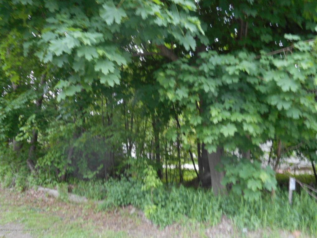 39 Reservoir St, Simpson, PA 18407