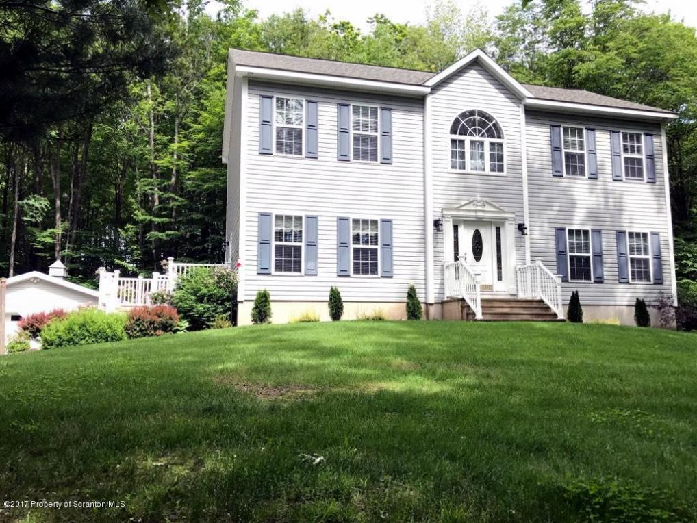 736 Medei Rd, Factoryville, PA 18419