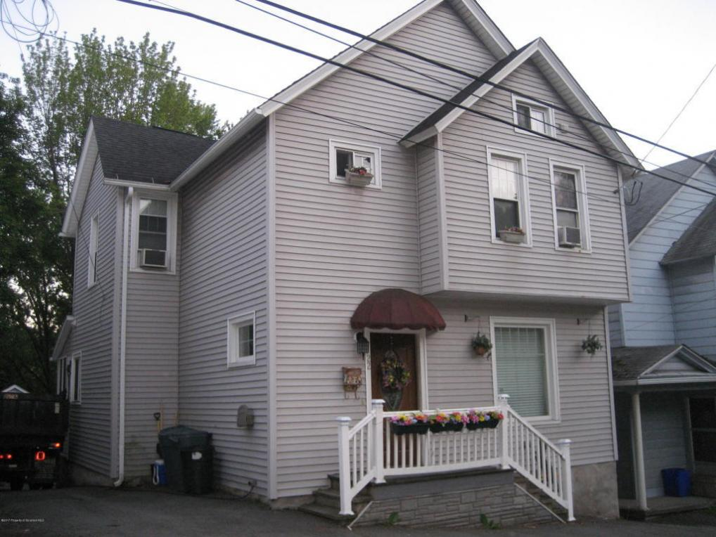 22 Canaan St, Carbondale, PA 18407