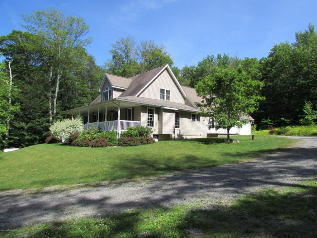 629 Blue Shutters Rd, Roaring Brook Twp, PA 18444