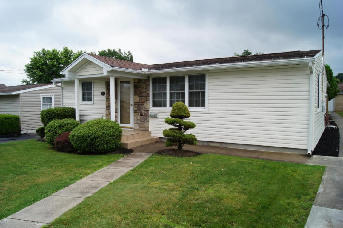 3721 Winfield Ave, Moosic, PA 18507
