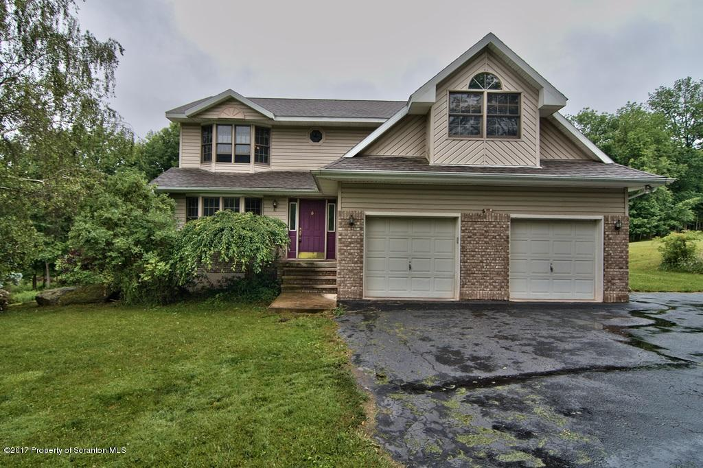 173 Silver Mark Dr, Factoryville, PA 18419
