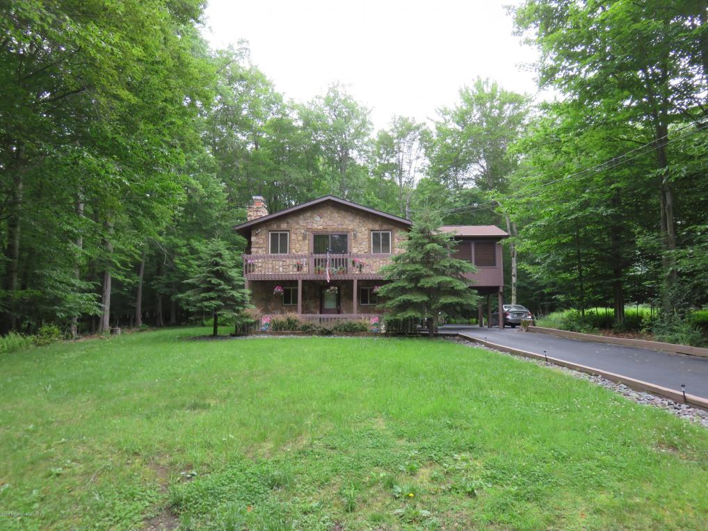 86 Mountain Glen Drive, Gouldsboro, PA 18424