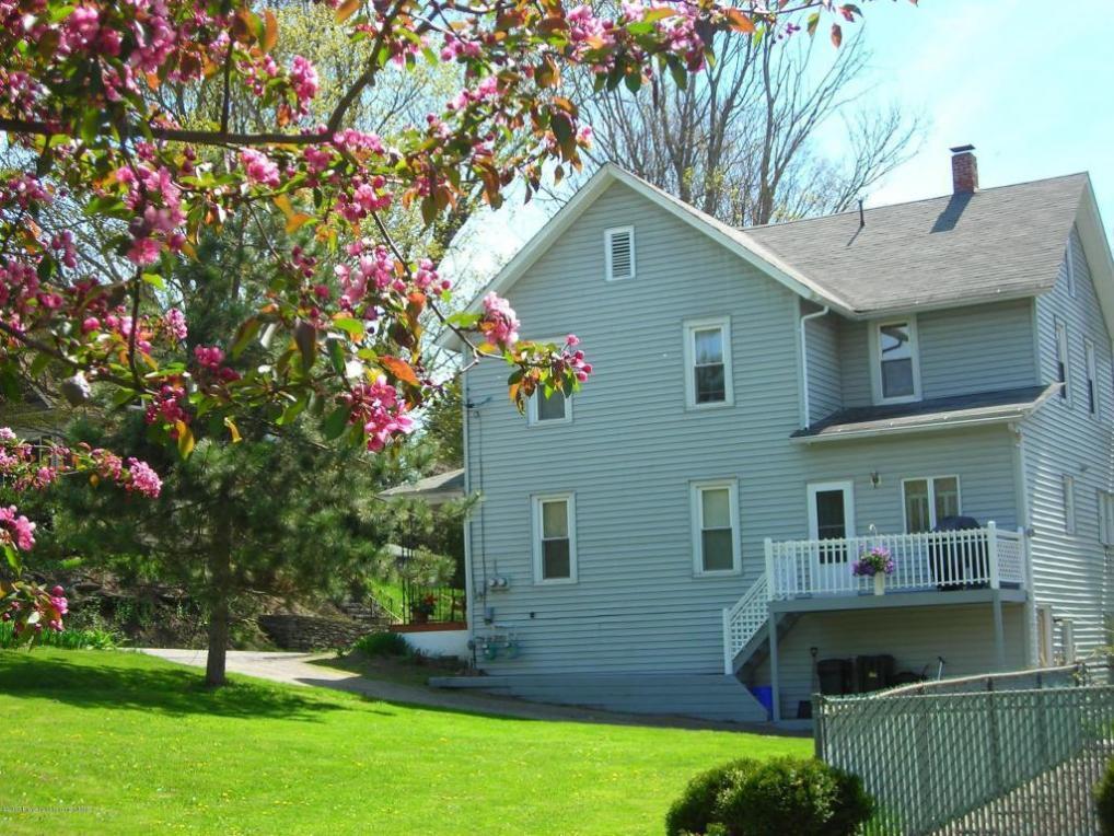 111 Lily Lake Rd, Dalton, PA 18414