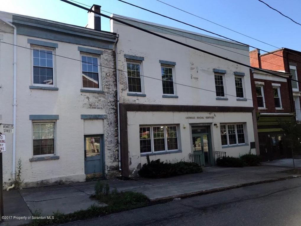 102-106 Warren St, Tunkhannock, PA 18657