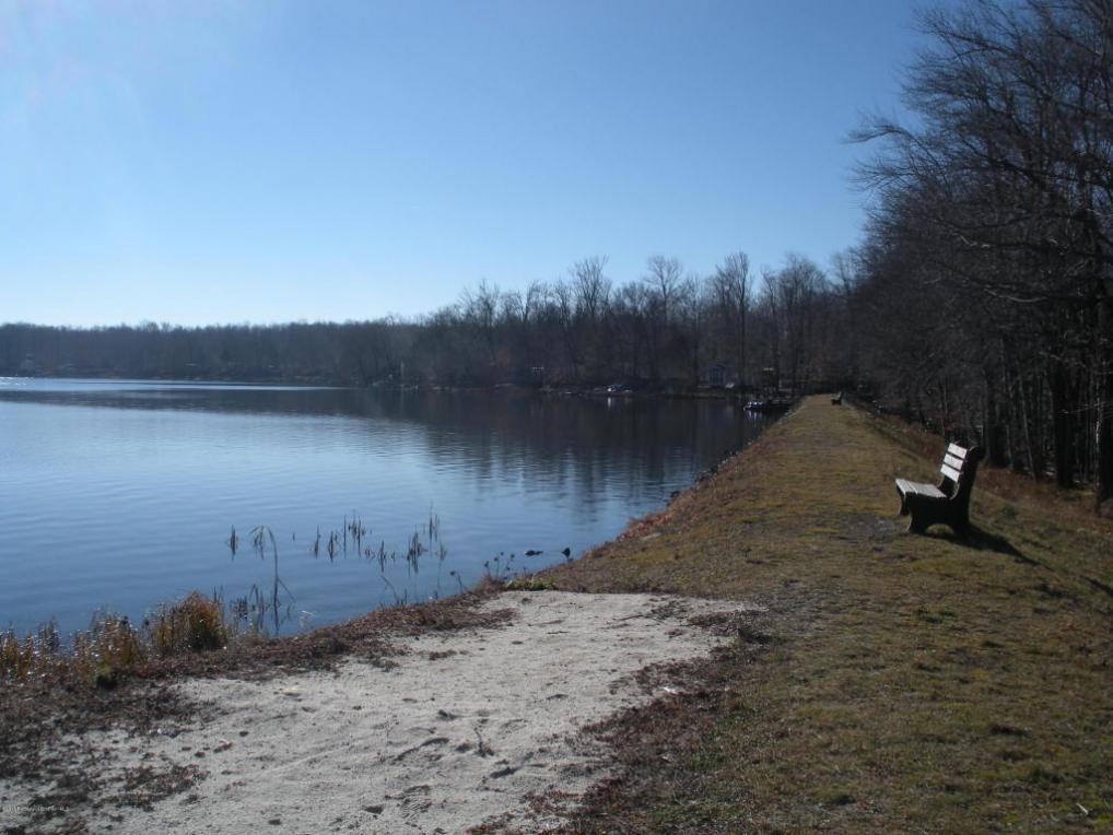 J4-317 E Lake Rd, Covington Twp, PA 18444
